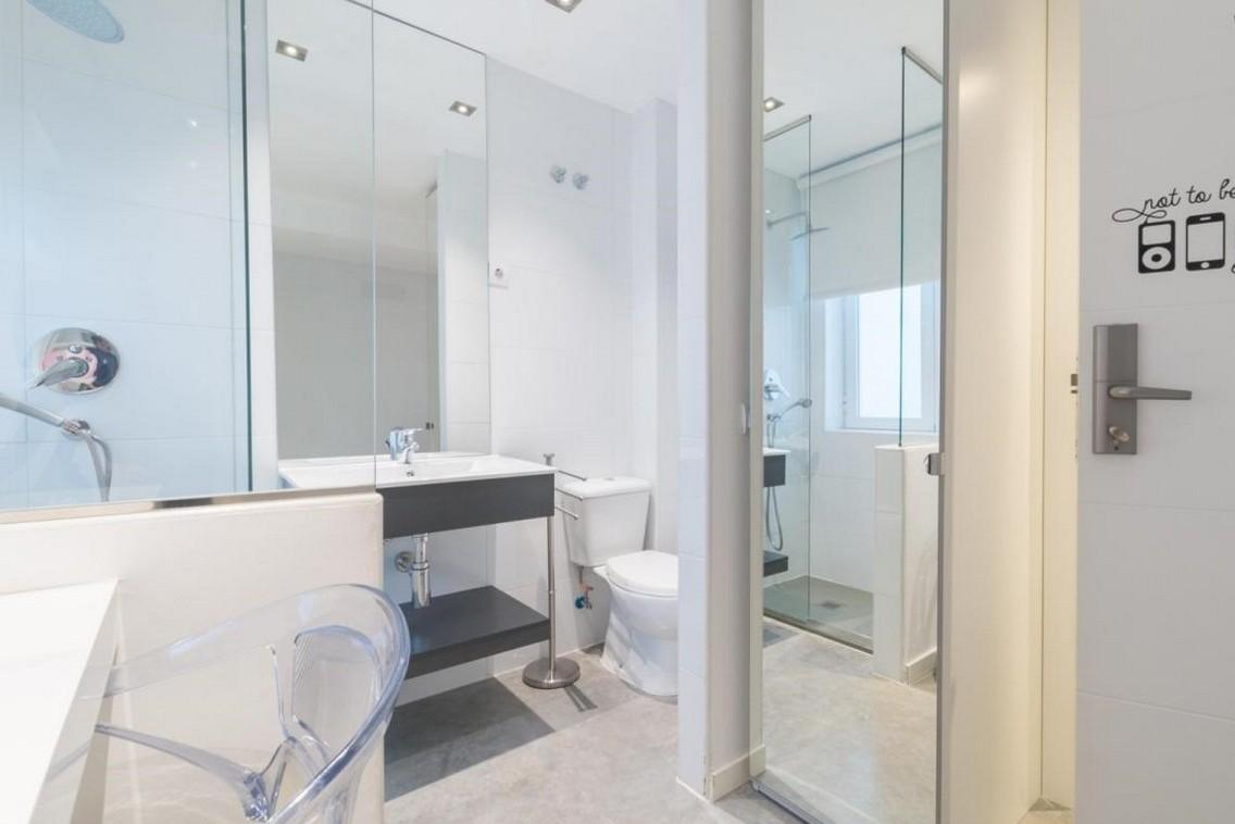 Habitación con baño para universitarios en Plaza España Madrid