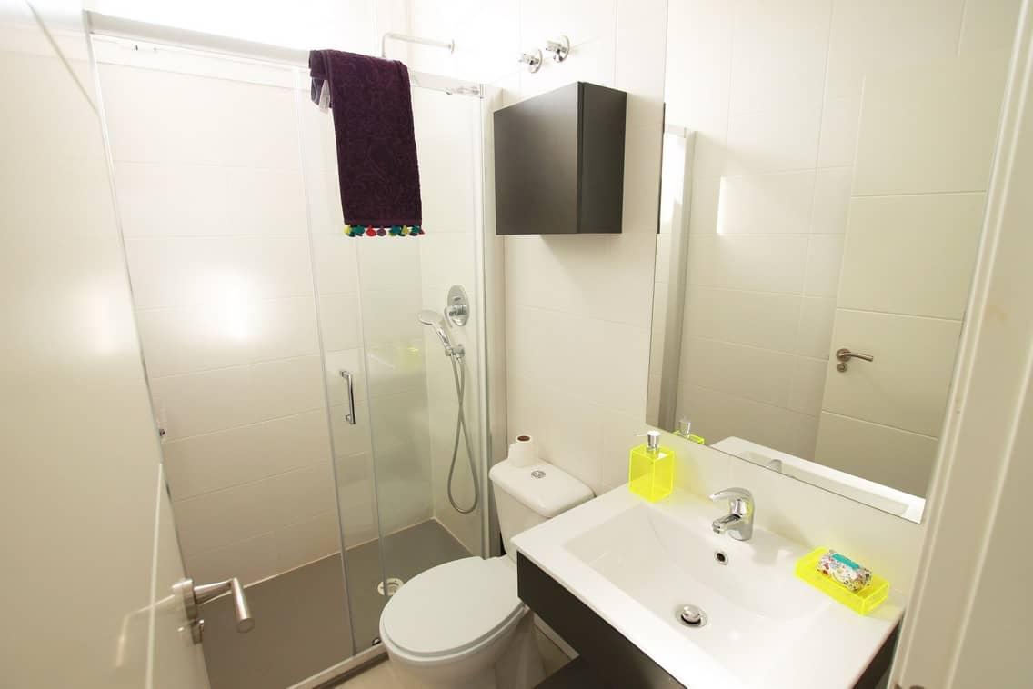 Habitación para estudiantes con baño propio en Gran Vía