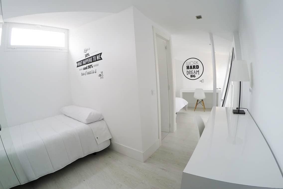Habitación doble confort en Gran Vía con baño propio