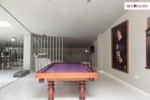 Salón con billar en residencia de estudiantes Barrio Salamanca