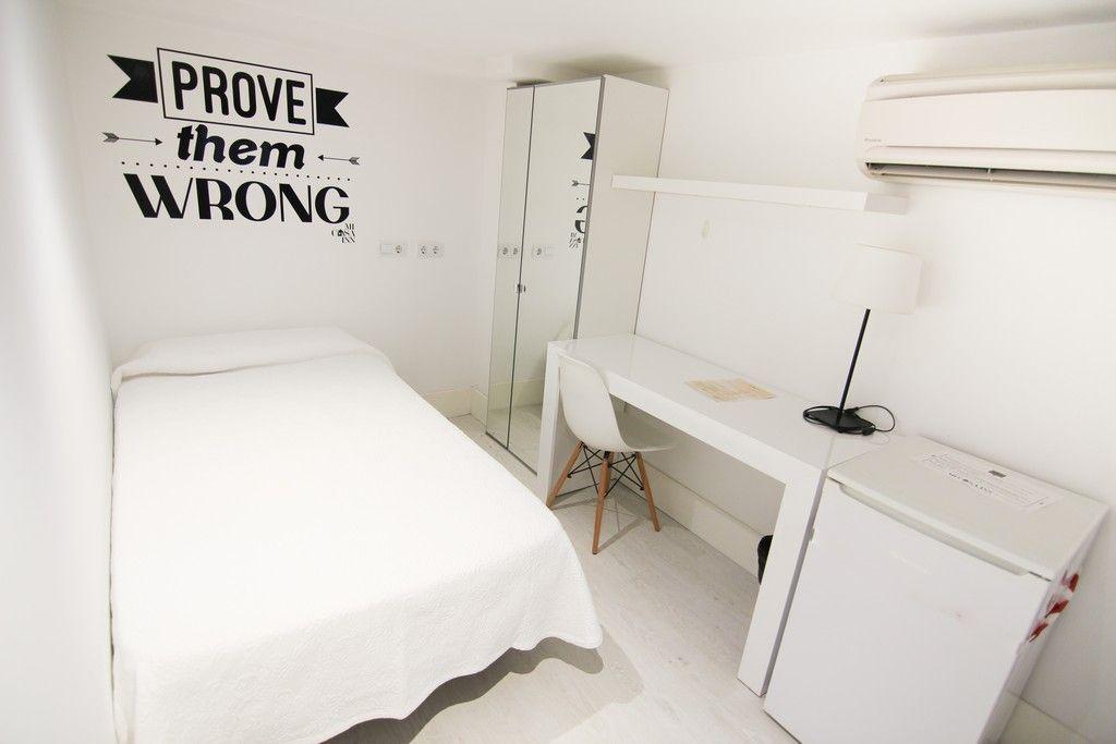 Habitación doble con aire acondicionado para estudiantes en Gran Vía