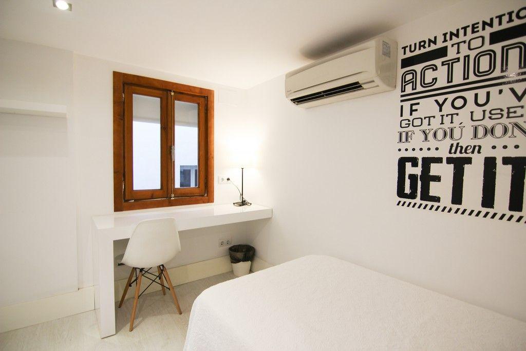 Habitación doble para universitarios con aire acondicionado en Gran Vía
